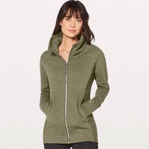 NWOT Lululemon Radiant sweatshirt